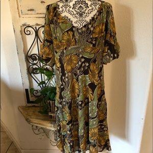 Ann Taylor loft green/ yellow floral print dress